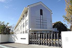 朝日中学校 (約2,000m:徒歩25分)