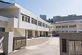 ・ 愛宕中学校 (約1,340m:徒歩17分)