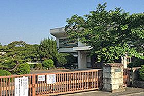 小牧南小学校 (約450m:徒歩6分)