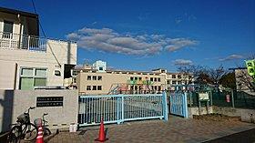 明石市立山手小学校(約580m・徒歩8分)