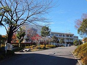 所沢市立上山口中学校まで徒歩8分(600m)