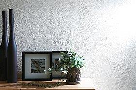 「うるおう壁」珪藻土の壁材。