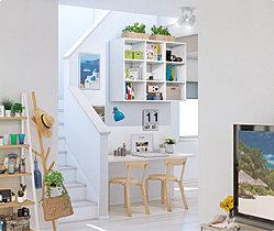 本や絵本を飾りながら置いて、ブックカフェ風に。