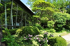 芸術・文化で心が安らぐ芳澤ガーデンギャラリーまで徒歩12分