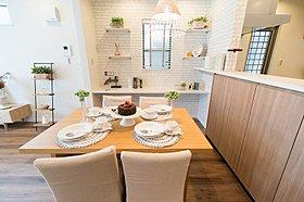 清潔感漂う白を基調とした和室