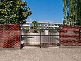 ◆真間小学校・・・徒歩2分(140m)