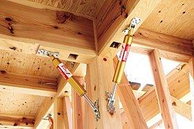 地震時の建物の変形を約40%軽減出来る制震ダンパーを採用
