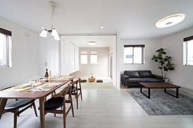 和室と一体化すれば22,5帖の大空間。