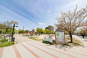 大型の笹原公園で小さなお子様がいるご家族も楽しめます!