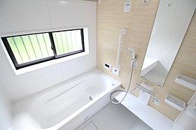 ミストサウナ付暖房乾燥機付き!清潔・快適なバスルームです。