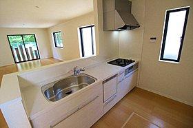 食洗機や浄水器、高機能システムキッチンをご用意!