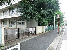 【桜台小学校】約500m(徒歩6分)