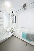 お手入れのしやすさにこだわった浴室『オフローラ』。