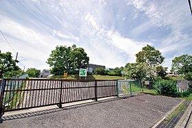 水の江小学校 徒歩約5分(約379m)