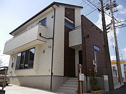 注文住宅仕様のモダン住宅。リビングはゆったり約18帖