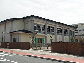 希少の田迎西小校区。きれいな校舎で気持ちよく勉強できます!