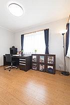 広いリビングに+高天井でより広く明るくお部屋を演出。