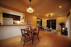 洋室は各部屋たっぷり収納できます。