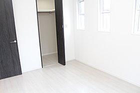 2階6帖洋室です。お子様のお部屋にいかがですか?