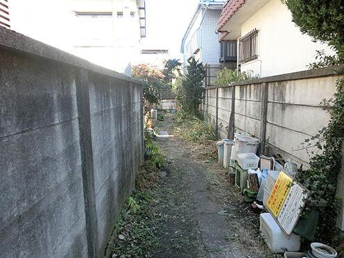 土地-西東京市柳沢5丁目 現況残置物ありますが、撤去予定でございます。