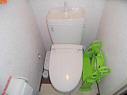 温水洗浄付きのトイレです