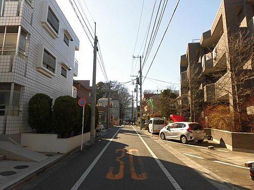 マンション(建物全部)-目黒区東が丘1丁目 前面道路
