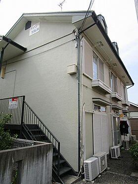 アパート-町田市鶴川5丁目 淡い色合いの落ち着いた外観