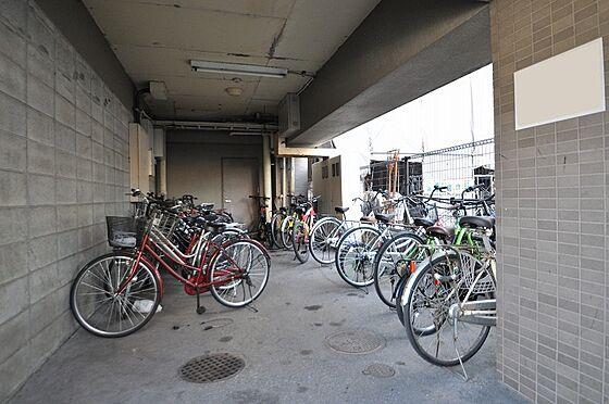 ビル(建物全部)-福岡市博多区千代2丁目 1Fには専用駐輪場スペース完備