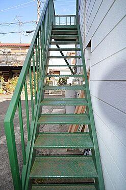 アパート-相模原市南区西大沼3丁目 共用階段の鉄部も塗装済み