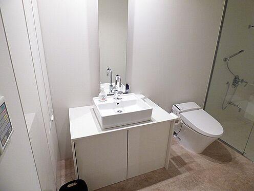 事務所(建物全部)-港区南青山6丁目 トイレは、4箇所ございます
