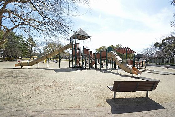 ビル(建物全部)-各務原市那加新加納町 緑豊かな公園近く住環境良好。