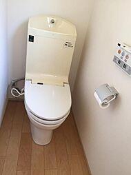 トイレは1・2階にあるので忙しい朝にも安心