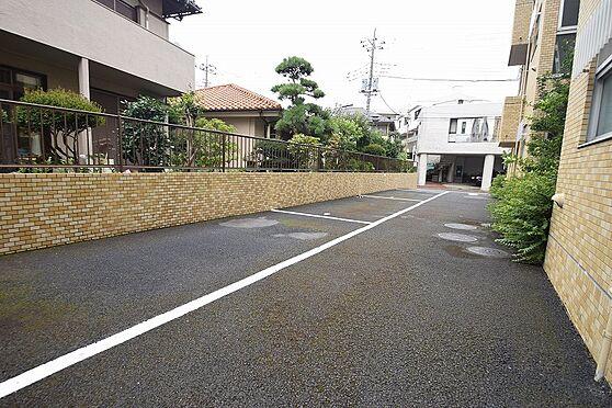 マンション(建物全部)-松戸市新松戸北1丁目 敷地内に駐車スペース有り。