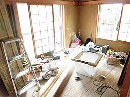 現在リフォーム中。和室写真です。天井と壁はクロスを張り、畳は表替えをします。