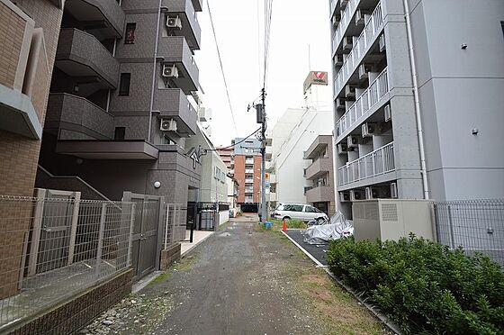 マンション(建物全部)-川崎市川崎区南町 南側前面道路は幅員約4.34m/間口約8.92m。