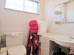洗面付の広い2Fトイレ