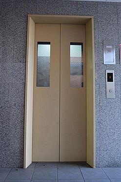 アパート-江戸川区東葛西5丁目 入居者に嬉しいエレベーター付き。