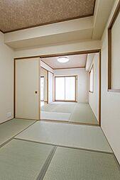 リビング隣接の和室