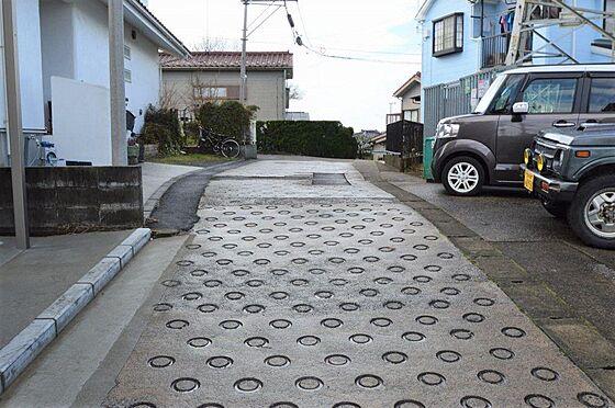 アパート-横浜市港北区鳥山町 前面道路は幅員約3.2m/間口約11.22m。
