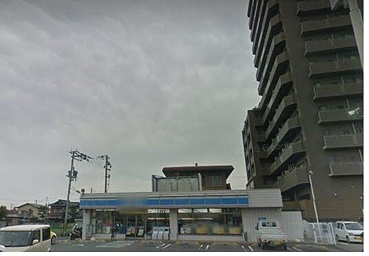 アパート-和歌山市東高松4丁目 コンビニエンスストアローソン 和歌山西高松一丁目店まで864m