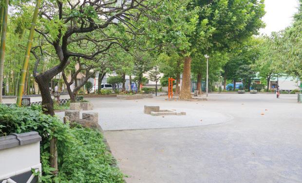 松葉公園 約230m(徒歩3分)