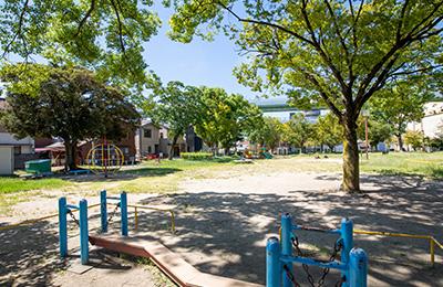 清水公園 約420m(徒歩6分)