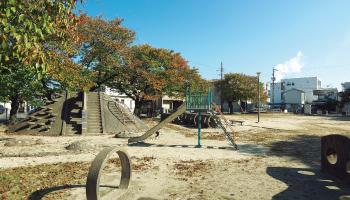 昭和町第一街区公園 約170m(徒歩3分)