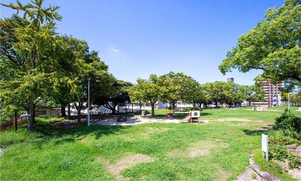 茶屋ヶ坂公園 約150m(徒歩2分)