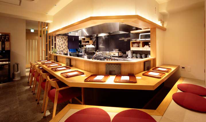 京町料理 みつや 約510m(徒歩7分)