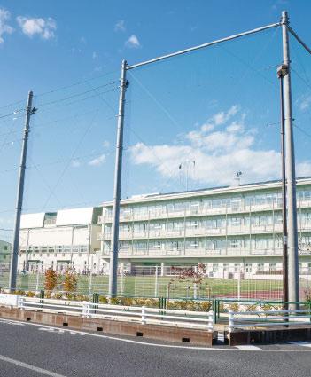 伊興小学校 約40m(徒歩1分)