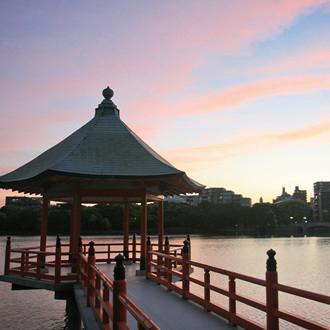 大濠公園浮見堂 約380m(徒歩5分)