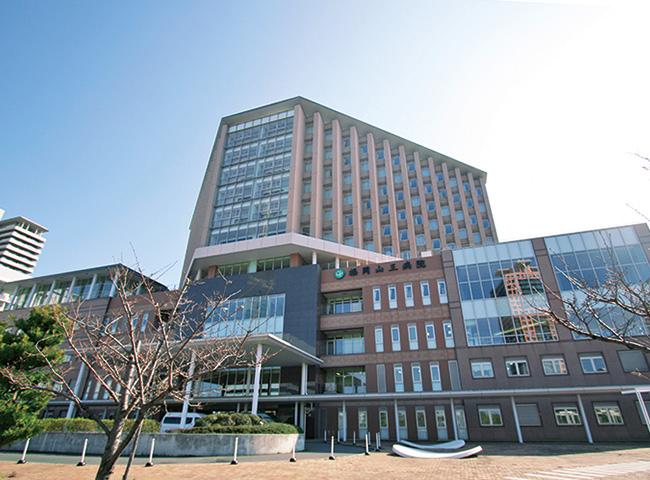 福岡山王病院 約1,600m(徒歩15分)