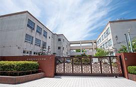 山王中学校 N:約830m(徒歩11分) S:約880m(徒歩11分)