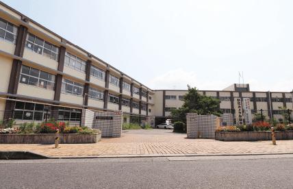 市立平野小学校 約560m(徒歩7分)